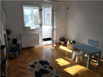 Vanzare apartament 4 camere Piata Alba Iulia Unirii