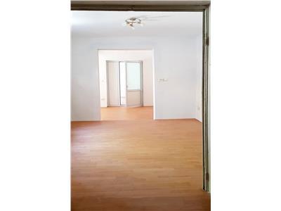 casa 4 camere cu garaj si curte mosilor Bucuresti