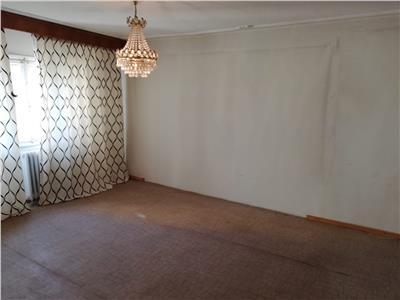 vanzare apartament 4 camere decebal metrou Bucuresti