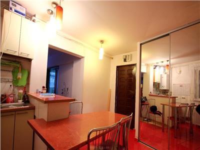 apartament 3 camere zetarilor-baciului Bucuresti
