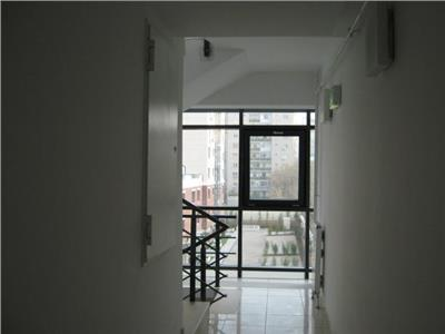 Vanzare apartament 2 camaere Tei