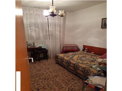 vanzare apartament 2 camere titan 1 decembrie 1918 metrou Bucuresti