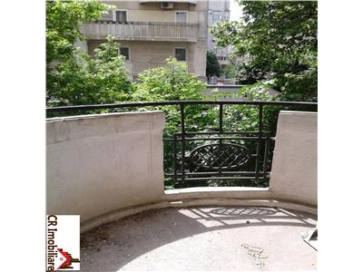 vanzare apartament 3 camere decebal metrou piata muncii Bucuresti