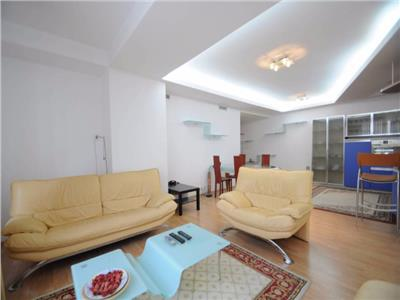 Apartament 3 camere ,terasa, 3 locuri de parcare subterane si boxa