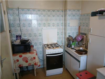 apartament cu 3 camere in zona brancoveanu Bucuresti