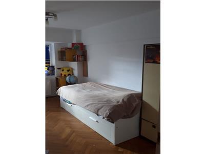inchiriere apartament 3 camere mega mall Bucuresti