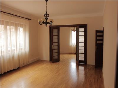 inchiriere apartament 4 camere pretabil birou piata romana Bucuresti