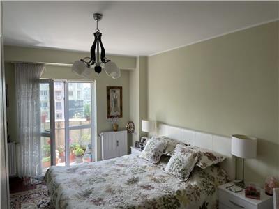 vanzare apartament 3 camere decebal stradal Bucuresti