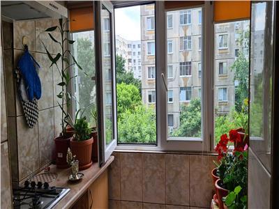Apartament de vanzare 3 camere Pantelimon
