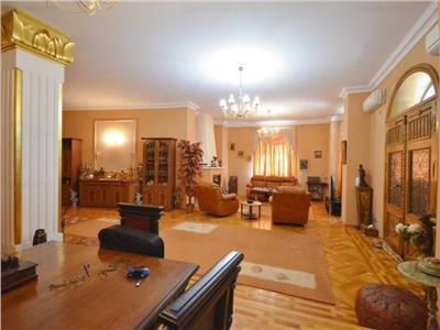 vanzare apartament 3 camere mosilor cu curte Bucuresti