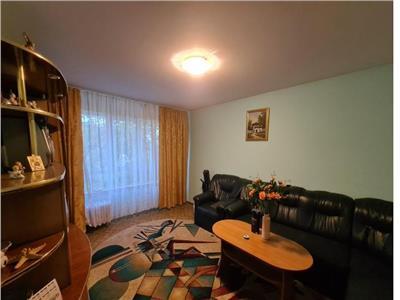 apartament de vanzare 4 camere cu loc de parcare! Bucuresti