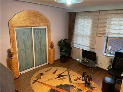 vanzare apartament in vila 3 camere, romana Bucuresti