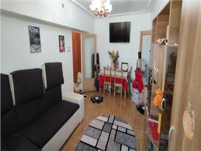 apartament   3 camere de vanzare spatios, 1 decembrie 1918,cu loc de paracre inclus!! Bucuresti