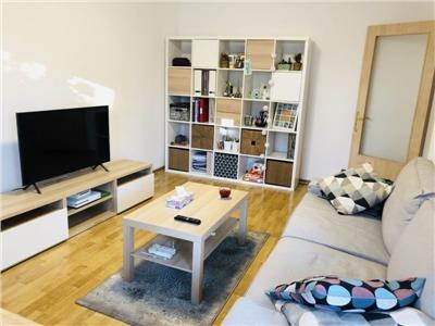vanzare apartament 3 camere piata trapezului Bucuresti