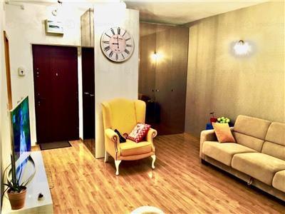 Apartament 3 camere extrem aspectuos in complexlul RASARIT DE SOAR ! Se vinde cu loc de paracre,mobilat si utilat!