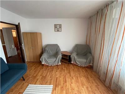 inchiriem apartaemnt 3 camere spatios , decomandat,zona sebastian Bucuresti
