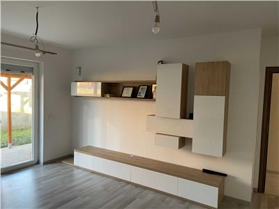 vanzare apartament 3 camere + curte interioara 35mp Bucuresti